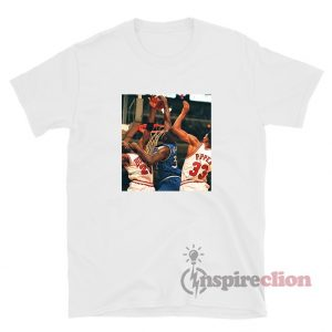Shaquille O'Neal Dunking On Michael Jordan And Scottie Pippen T-Shirt